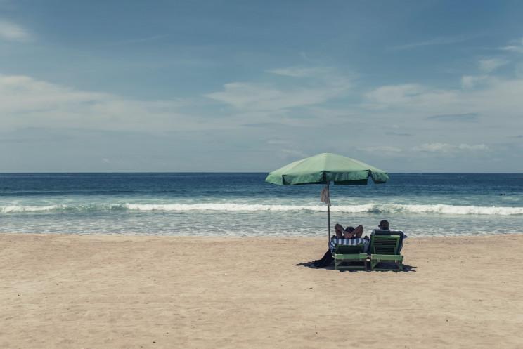 Ir à praia já tem novas regras em vigor – assim será a época balnear em plena pandemia
