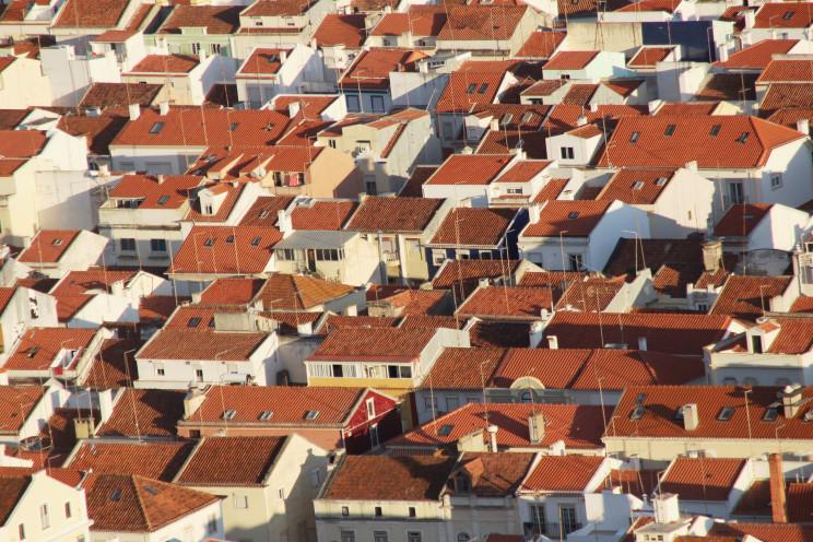 """Venda de casas e crédito à habitação ao rubro em tempos de pandemia """"à boleia"""" dos estrangeiros"""